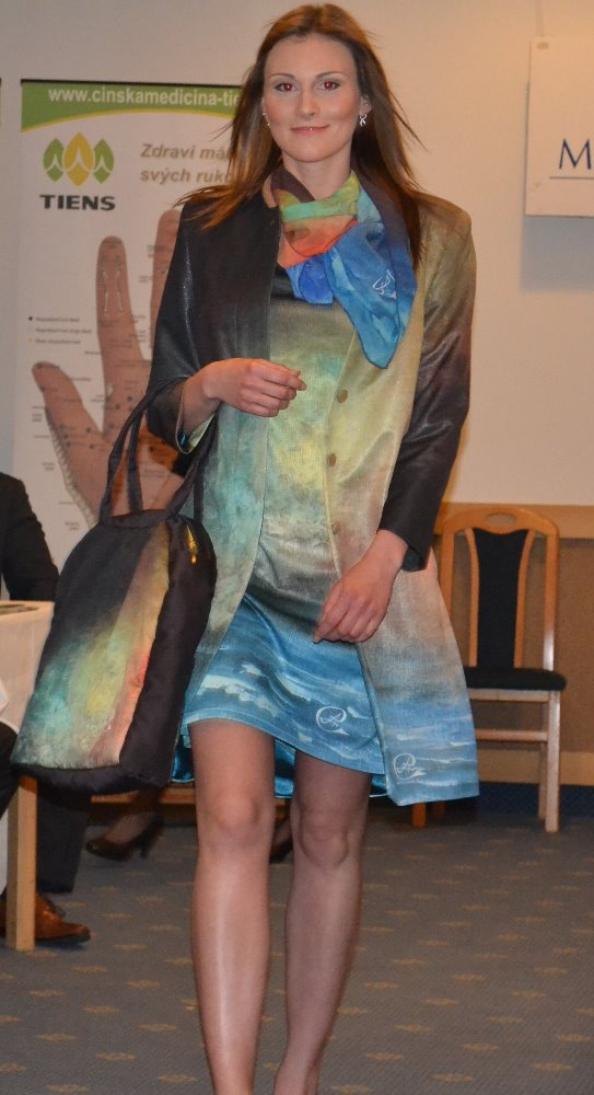kabát a šaty Měsíc a moře 1_Fotor
