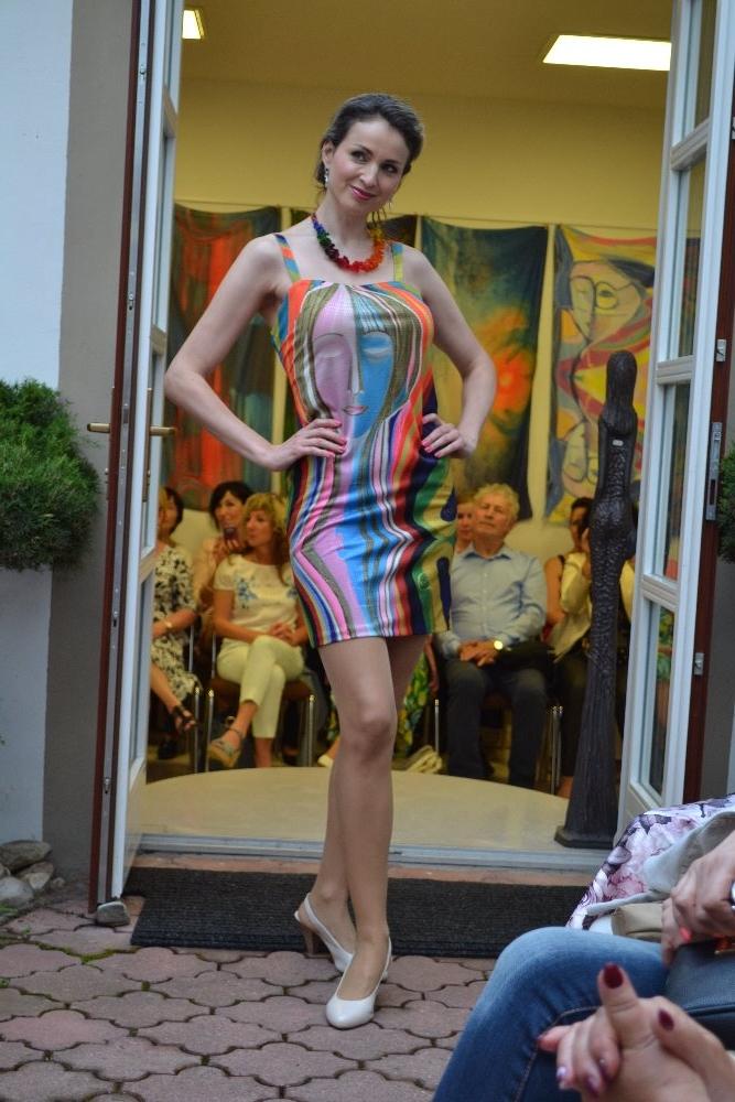 HVĚZDNÝ PRACH - šaty